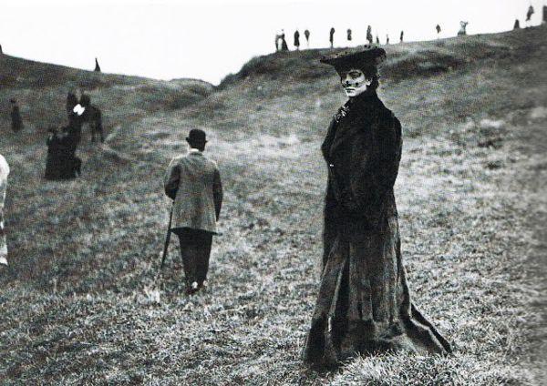 Luisa Casati at a fox hunt, photographer unknown, ca. 1903