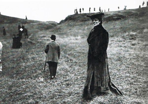Luisa Casati at a fox hunt, photographer unknown, ca. 1903