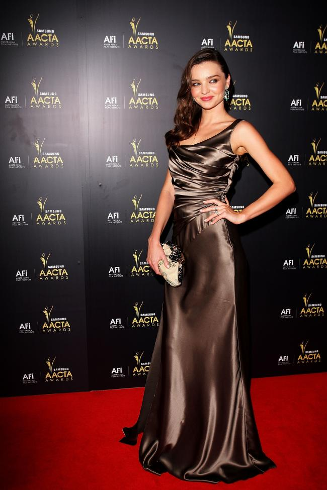 Miranda_Kerr_AACTA_Awards_Red_Carpet_01