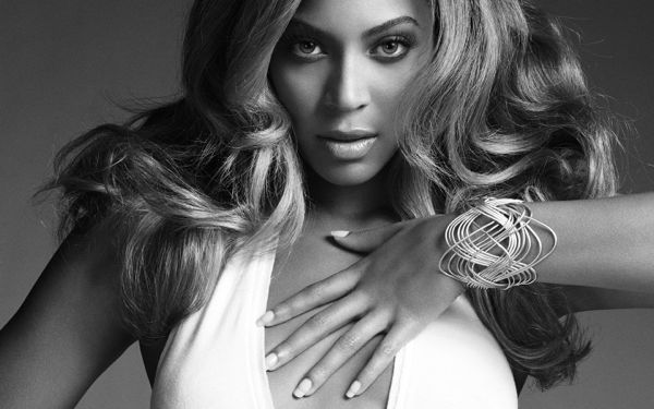 Beyonce-Black-And-White-1440x900-Sexy-Wallpaper