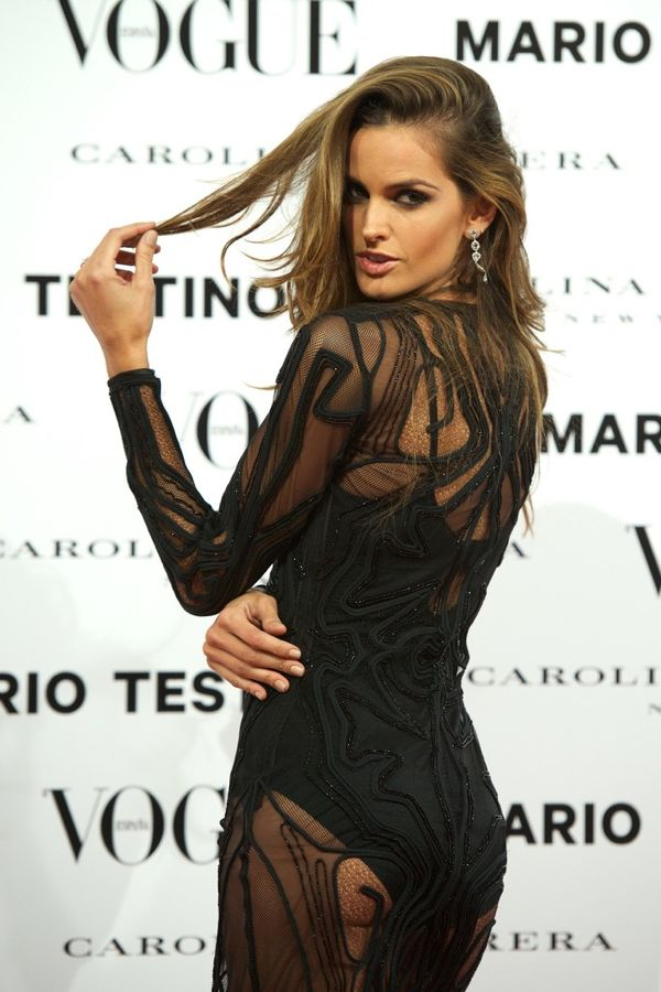 izabel-goulart-vogue-mario-testino-launch-02