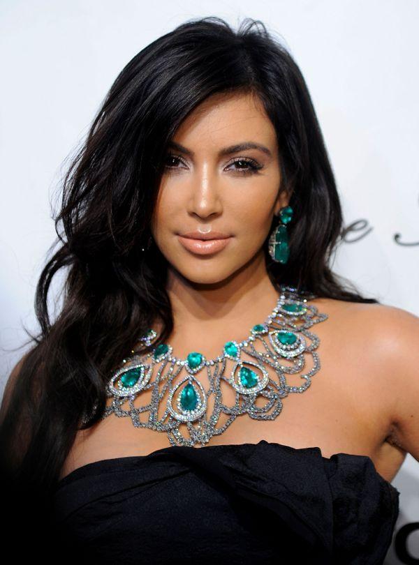 Kim_Kardashian_2010_Angel_Ball_Vettri.Net-09
