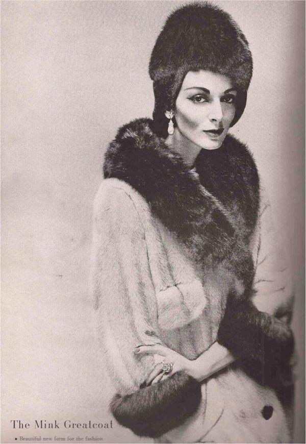 Carmen Dell'Orefice HB September 1957 Avedon