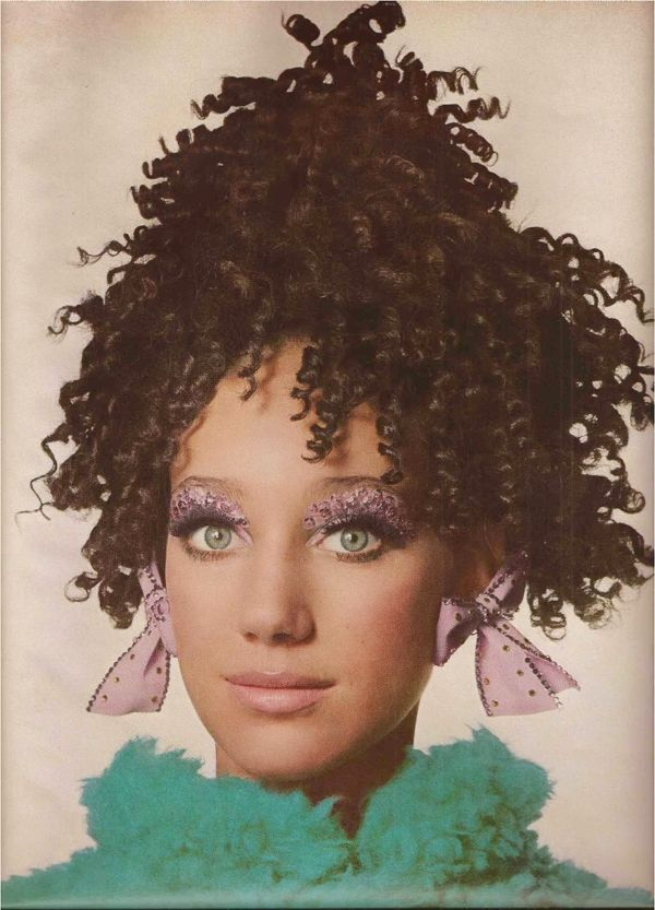 Marisa Berenson Vogue July 1967