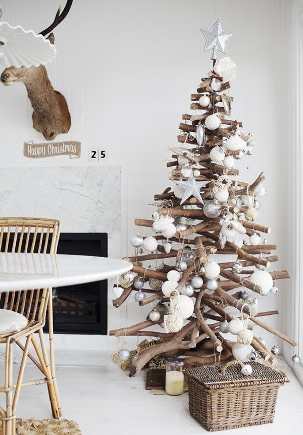 interior-decoration-captivating-christmas-interior-home-design-ideas-with-unique-wooden-arrangement-christmas-tree-featuring-white-balls-and-star-on-top-modern-christmas-interior-decor-2014