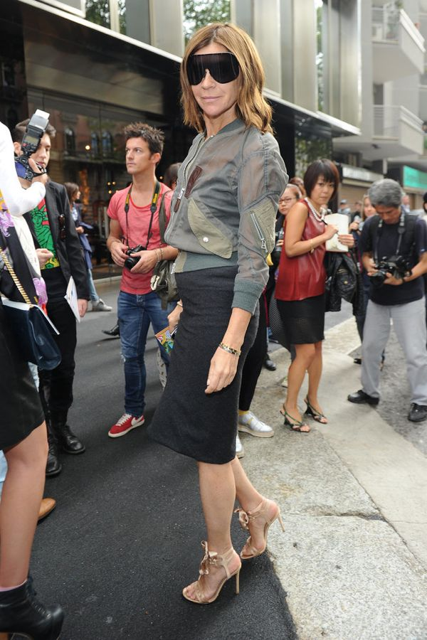 Carine-Roitfeld-worked-her-visor-style-shades-sporty-zippered