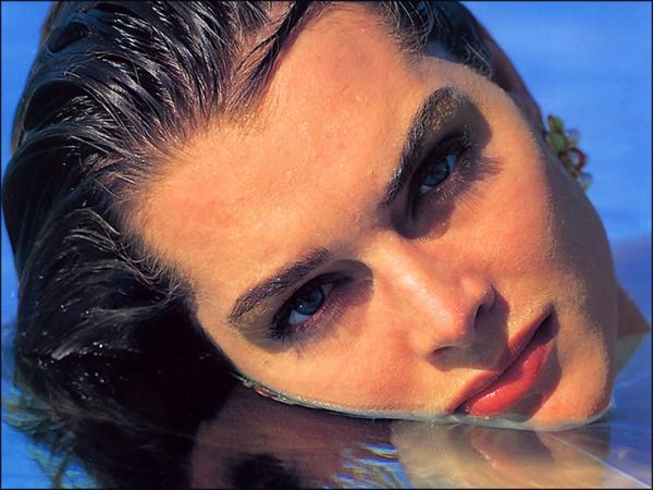 brooke-shields-face