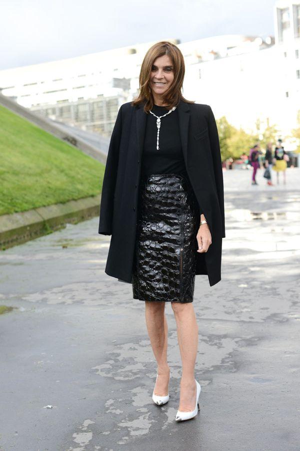 paris-fashion-week-street-style-spring-2013-carine-roitfeld-alligator-pencil-skirt