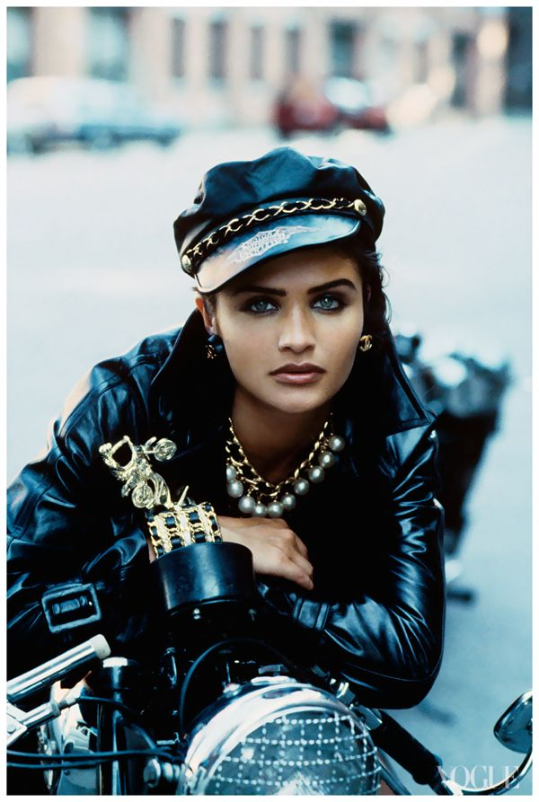 helena-christensen-photographed-by-peter-lindbergh-vogue-1991