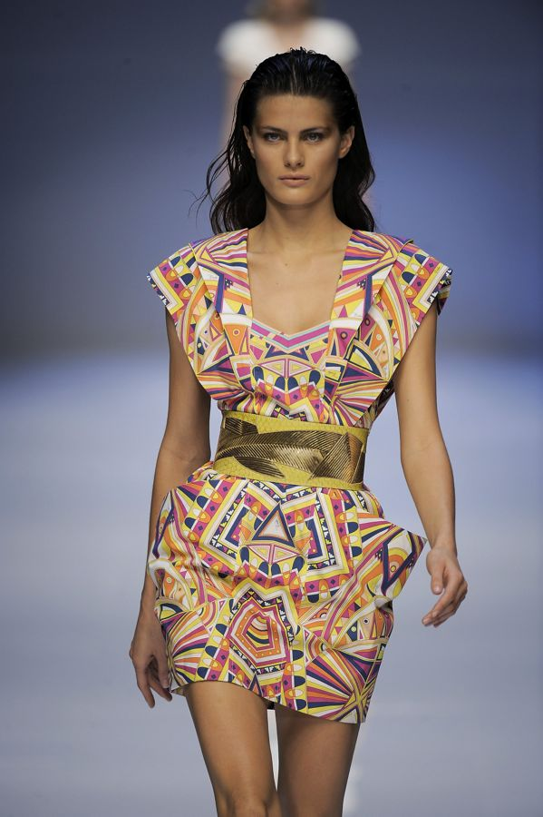 pucci-wedding-dress-celebrity-design-emilio_pucci_s2009_033_122_1092lo