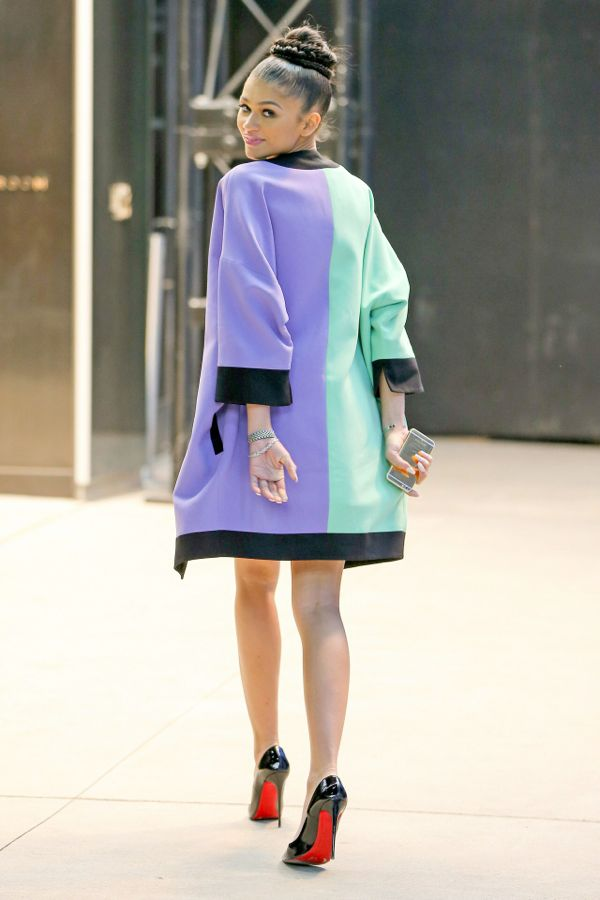 Zendayas-New-York-Fashion-Week-Fausto-Puglisi-Purple-and-Green-Colorblock-Jacket-and-Skirt