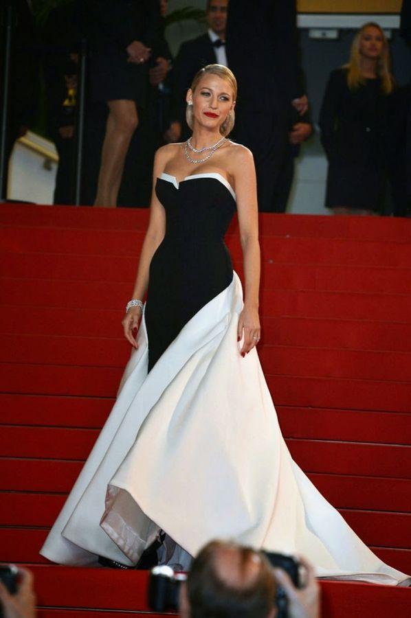 la-modella-mafia-Blake-Lively-2014-Cannes-red-carpet-fashion-black-and-white-Gucci-dress-with-diamonds-red-lips-and-an-elegant-updo-1