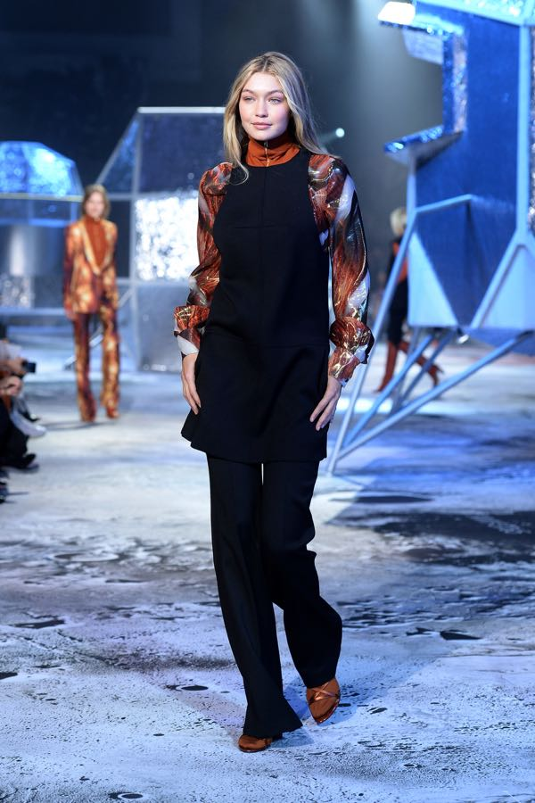 h-and-m-runway-paris-fashion-week-womenswear-fall-winter-201-1