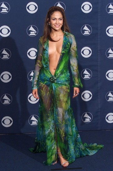 jennifer-lopez-in-versace