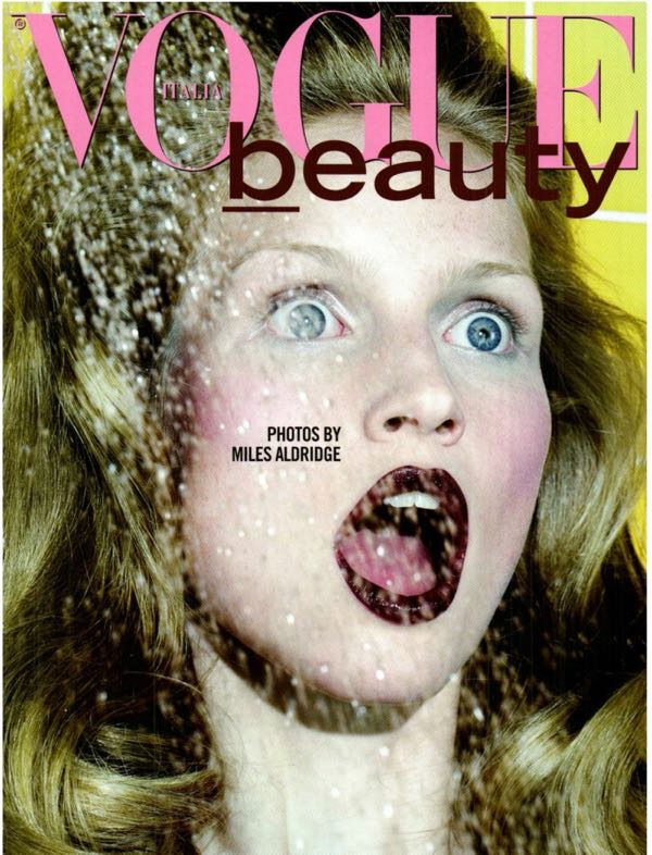 Vogue-Italy-Editorial-September-2011-Katrin-Thormann-by-Miles-Aldrid-011321