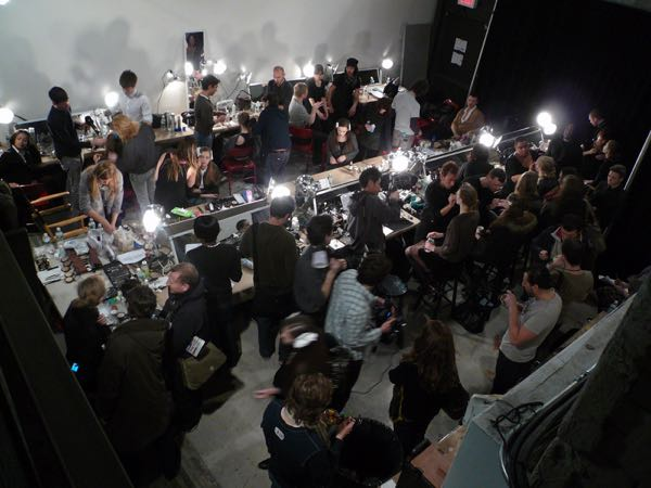 Fashion_show_backstage