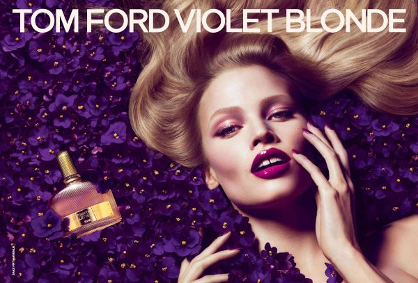 Lara-Stone-Tom-Ford-Violet-Blonde-Fragrance-DESIGNSCENE-net-01