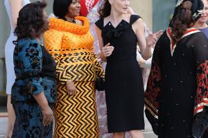 Carla-Bruni-Sarkozy-Poses-African-First-Ladies-Elysee-Steps