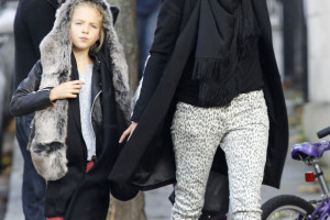 Kate Moss & Daughter Lila Catch A Cab Home After Visiting Friends