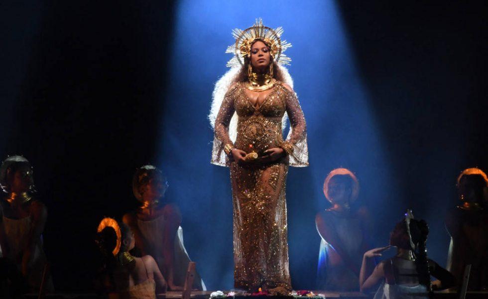 Beyonce: una maternità esagerata