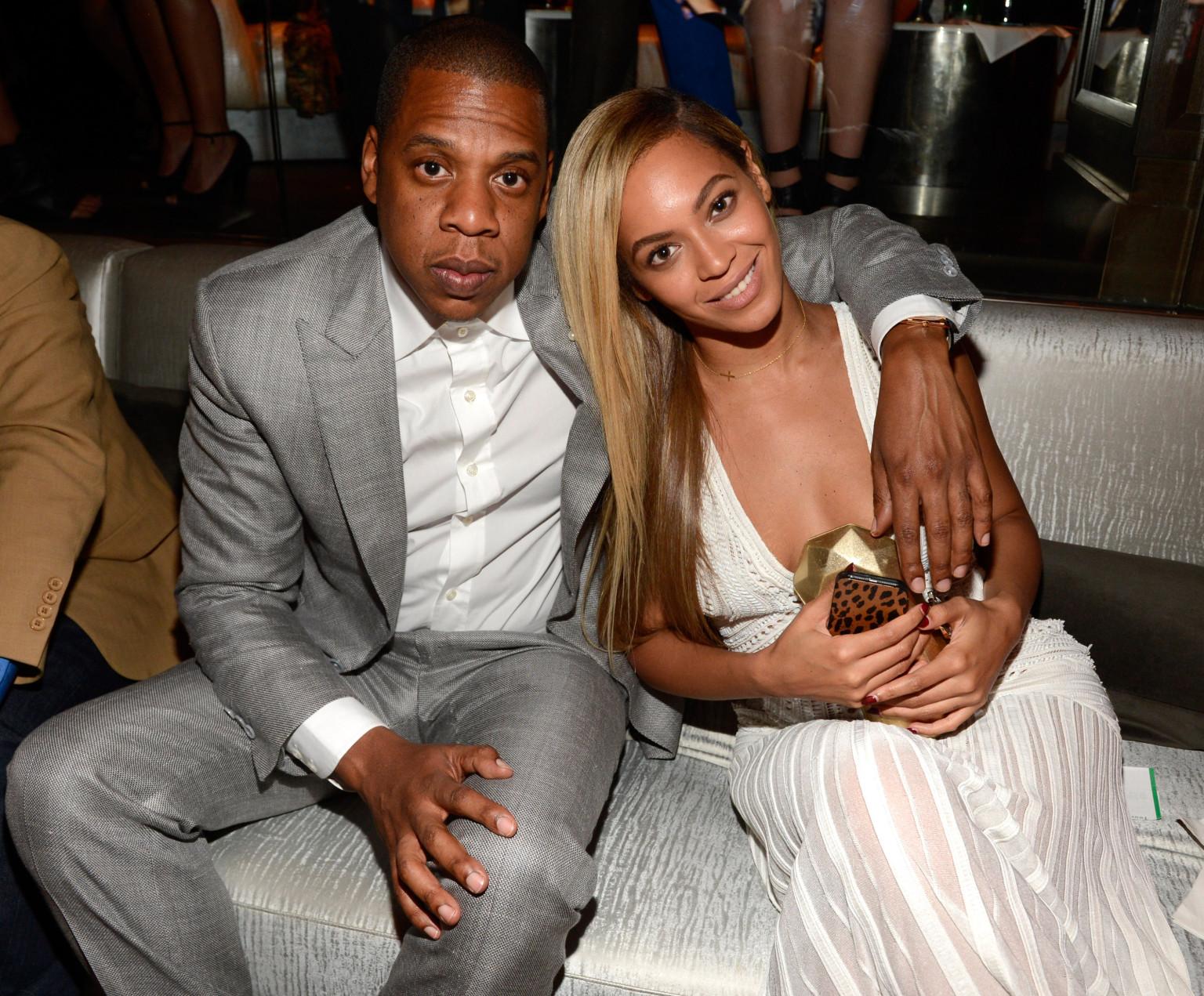 Dopo aver passato indenni, il ciclone Rihanna che si era abbattuto su di loro nell'estate 2016, la coppia è ora in attesa di due gemelli. Le loro quotazioni? Decisamente il rialzo!